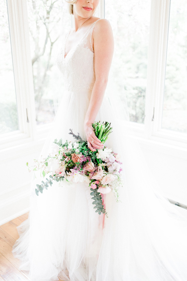 Wind wedding bouquet - Mallory McClure Photography