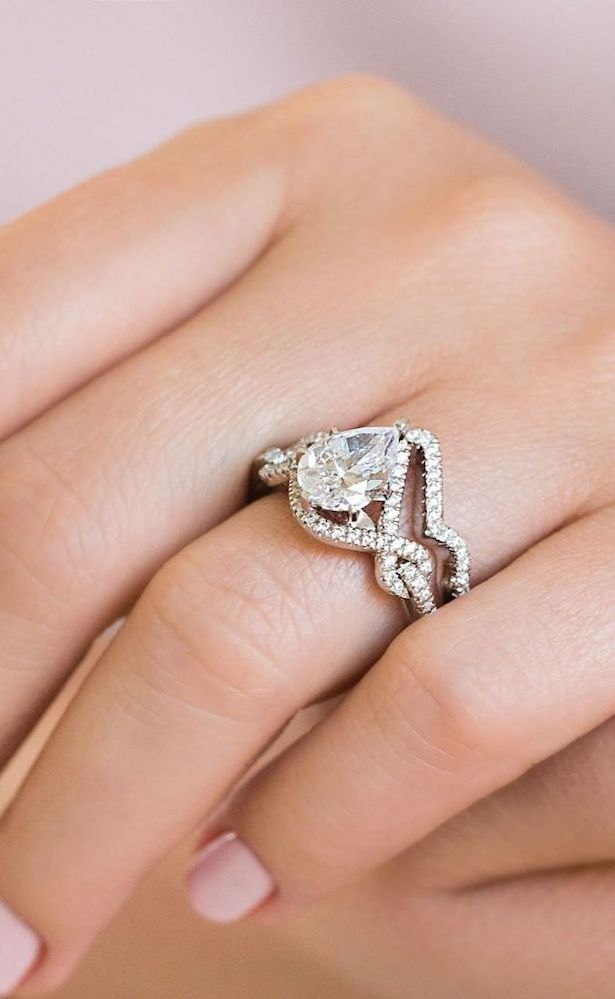 """MiaDonna Ethical Engagement Rings with Lab-grown diamonds """"width ="""" 615 """"height ="""" 999 """"data-pin-description ="""" MiaDonna's Ethical Engagement Rings with Lab-grown diamonds 