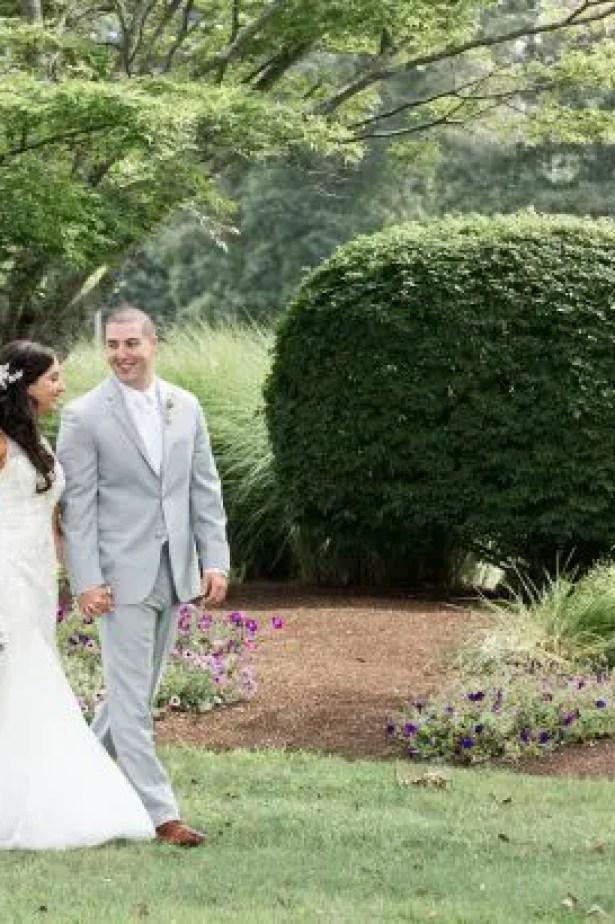 "Glamorous Summer Wedding - Lynne Reznick Photography ""width ="" 615 ""height ="" 410 ""data-pin-description ="" Glamorous Summer Wedding - Lynne Reznick Photography #bride #groom #weddings #weddingphotography #weddingphoto #love #photooftheday #ido # couplegoals ""srcset ="" https://i1.wp.com/bellethemagazine.com/wp-content/uploads/2019/06/Wedding-at-The-Villa-at-Riddler-Country-Club-Lynne-Reznick-Photography-25-615x410.jpg?resize=615%2C924&ssl=1 615w , https://bellethemagazine.com/wp-content/uploads/2019/06/Wedding-at-The-Villa-at-Riddler-Country-Club-Lynne-Reznick-Photography-25-300x200.jpg 300w, https: //bellethemagazine.com/wp-content/uploads/2019/06/Wedding-at-The-Villa-at-Riddler-Country-Club-Lynne-Reznick-Photography-25-768x512.jpg 768w ""sizes ="" (max -width: 615px) 100vw, 615px ""data-jpibfi-post-excerpt ="" ""data-jpibfi-post-url ="" https://bellethemagazine.com/2019/06/glamorous-summer-wedding-2.html "" data-jpibfi-post-title = ""A Glamorous Summer Wedding"" /><img loading="