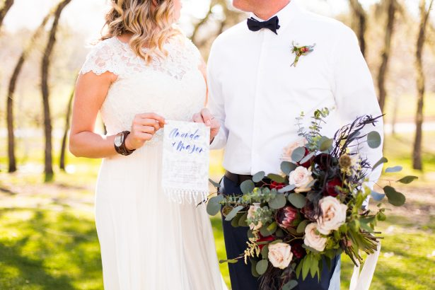 "All-American Wedding Inspiration with Boho Touches - Holley Elizabeth Photography ""width ="" 615 ""height ="" 410 ""data-pin-description ="" All-American Wedding Inspiration with Boho Touches - Holley Elizabeth Photography #wedding #wedding inspiration #wedding ideas #ido #weddingplanning #weddings ""srcset ="" https://i1.wp.com/bellethemagazine.com/wp-content/uploads/2019/07/All-American-Wedding-Inspiration-with-Boho-Touches-Holley-Elizabeth-Photography16-615x410.jpg?fit=0%2C0&ssl=1 615w , https://bellethemagazine.com/wp-content/uploads/2019/07/All-American-Wedding-Inspiration-with-Boho-Touches-Holley-Elizabeth-Photography16-300x200.jpg 300w, https: // bellethemagazine. com / wp-content / uploads / 2019/07 / All-American-Wedding-Inspiration-with-Boho-Touches-Holley-Elizabeth-Photography16-768x512.jpg 768w ""sizes ="" (max-width: 615px) 100vw, 615px ""data-jpibfi-post-excerpt ="" ""data-jpibfi-post-url ="" https://bellethemagazine.com/2019/07/all-american-wedding-inspiration-boho-touches.html ""data-jpibfi- post-title = ""All-American Wedding Inspiration with boho touches ""/></a data-recalc-dims="