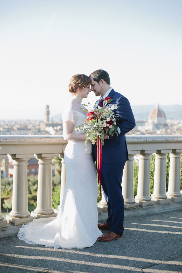 Romantic fall wedding photo - Purewhite Photography
