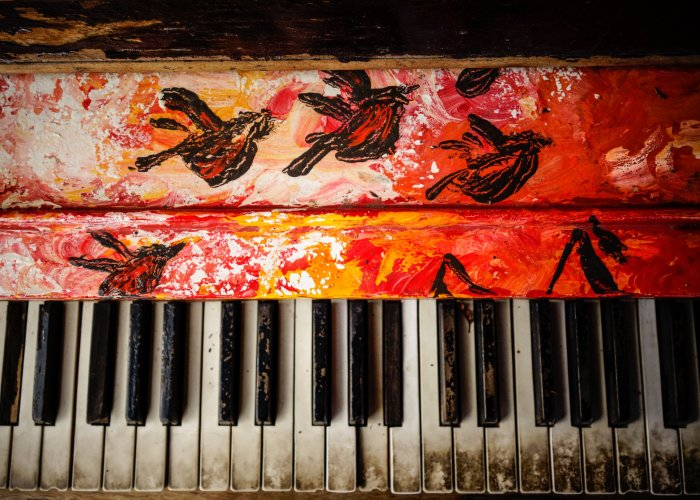 Old arty dirty piano