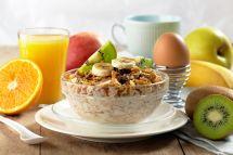 11141018 - healthy breakfast