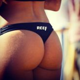 reef_girls_put_their_butts_on_display_on_instagram_640_05