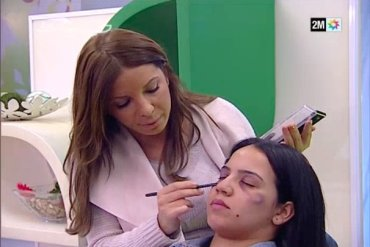 Conseils de maquillage pour femmes battues sur la TV publique marocaine