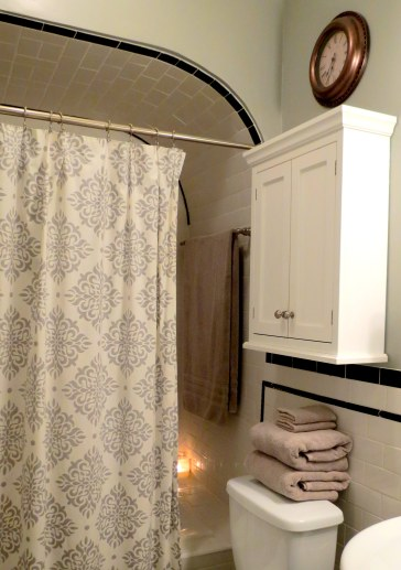 Tips for Hosting Overnight Guests - Bathroom (2)