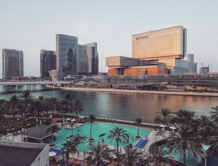 Abu Dhabi Mall 02