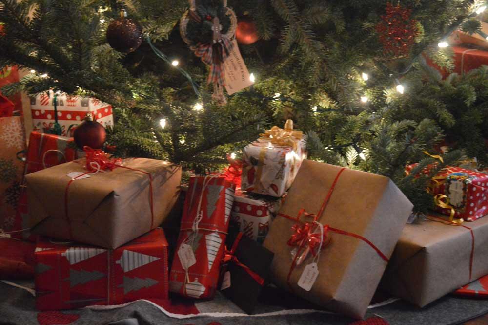 christmas-eve-morning-presents