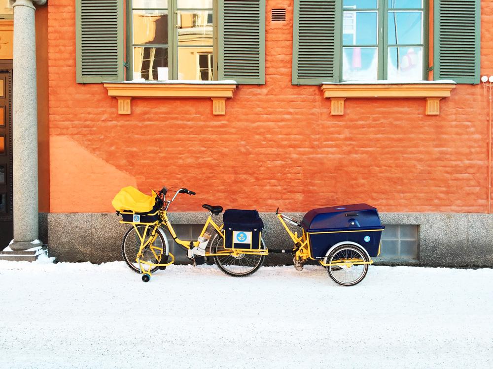 mailman-bike-snow