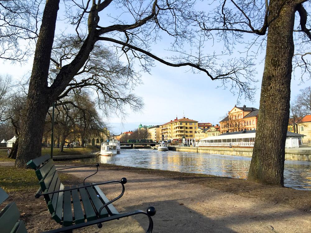 park-river-uppsala