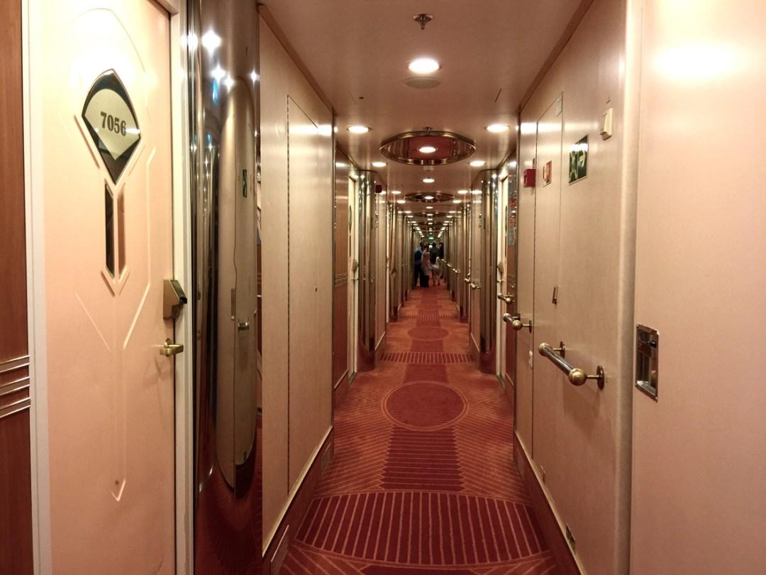cruise-ship-cabins-hall