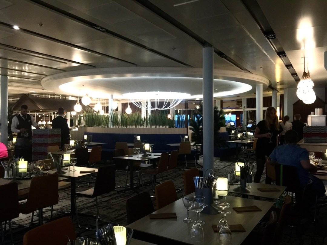 dinner-cruise-ship