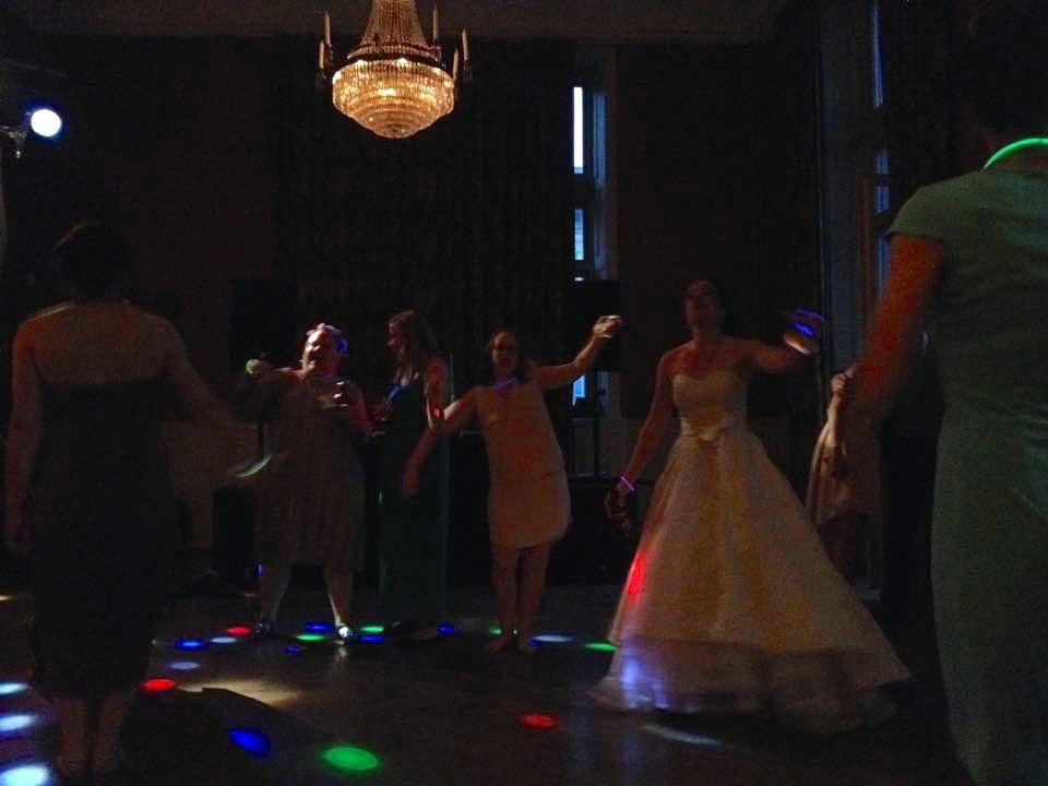wedding-dancing