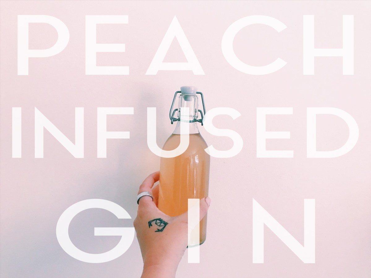 This homemade peach infused gin is my new fave summer cocktail