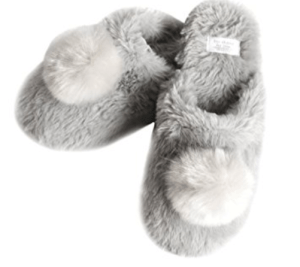 slippers, gift ideas, faux fur, valentines day, gift, gift guide, gift ideas, lifestyle blogger, omaha blogger, fashion blogger, fashion, blog, omaha style blogger