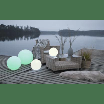 TWILIGHTS UTENDØRS LAMPE RGB M/FJERNKONTROLL RUND 30 CM | Belysning.online