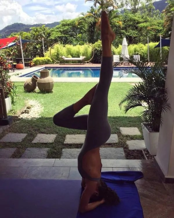 isis-valverde-faz-yoga-600×750