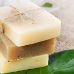 Faça novo sabonete usando sobras de sabonetes antigos