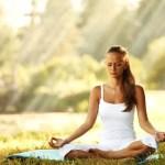 Postura, respiração e concentração são as bases para um boa meditação