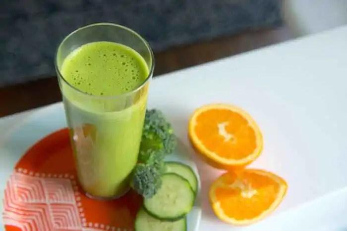 suco-detox-seca-barriga-de-brocolis-e-laranja Suco Detox Seca Barriga - 6 Receitas para Queimar Gordura Hoje!
