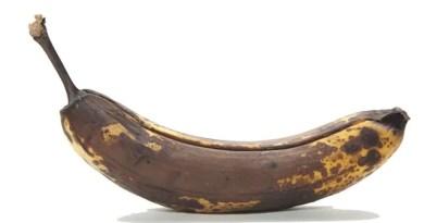 Um dos benefícios da banana escura é prevenir o câncer no organismo