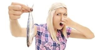 Para tirar o cheiro de peixe da cozinha aposte em bicarbonato, café ou limão