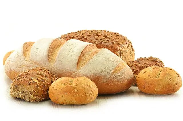 O pão é um dos alimentos que causam espinhas