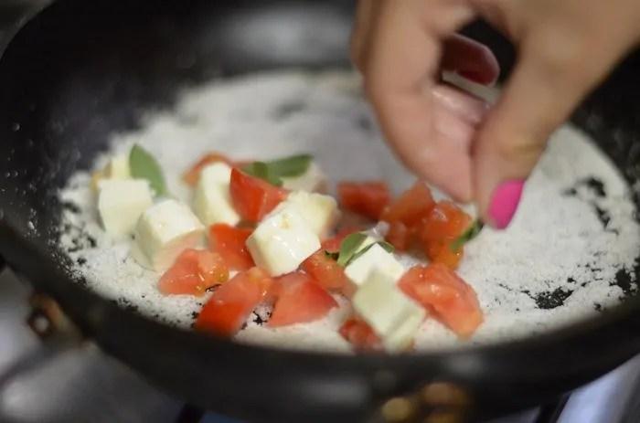 Tapioca com Queijo e Tomate marguerita