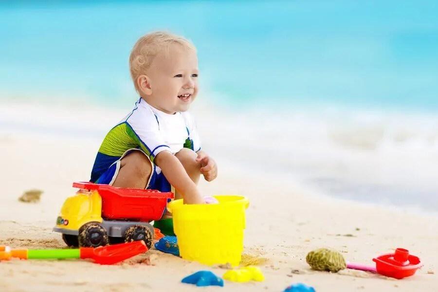 5 dicas para ir à praia com o bebê