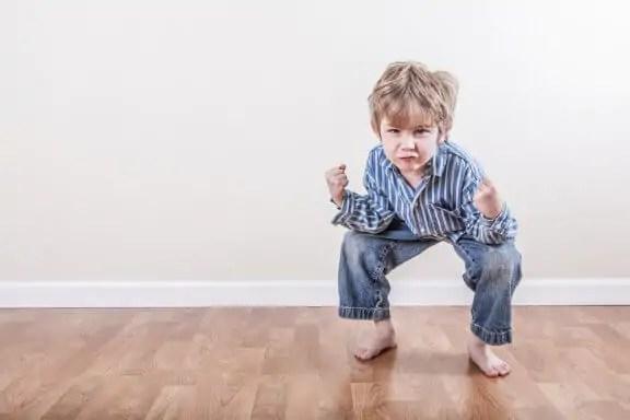 É melhor identificar as estereotipias na infância o quanto antes.