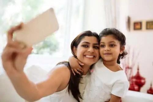 maternidade-na-diversidade-cultural A ala de maternidade em uma variedade de eventos culturais