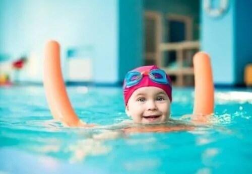 se-voce-seguir-todas-essas-precaucoes-antes-de-ir-a-piscina-com-as-criancas-elas-vao-conseguir-aproveitar-ao-maximo Precauções antes de levar as crianças para a piscina