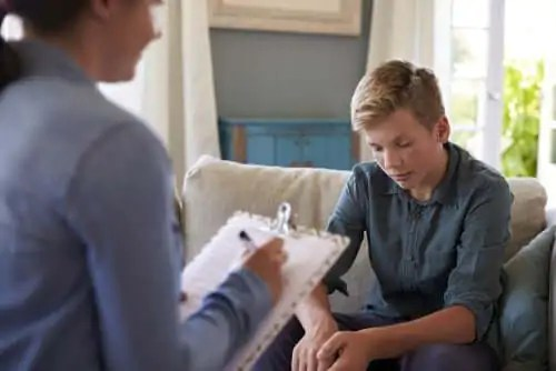 sinais-de-alerta A escola residencial para jovens com problemas de comportamento