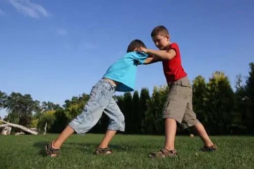 dicas-para-ajudar-o-seu-filho-a-resolver-conflitos 3 dicas sobre como ajudar seu filho a resolver conflitos