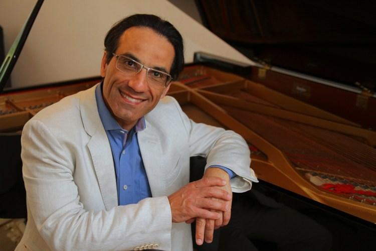 Um recital pela vida traz o pianista Alvaro Siviero em prol do Hospital São Vicente