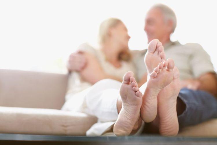 Cuidados especiais para os pés na melhor idade
