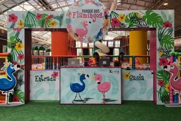 Parque dos Flamingos, atração infantil inédita em Curitiba, estreia no Shopping Estação