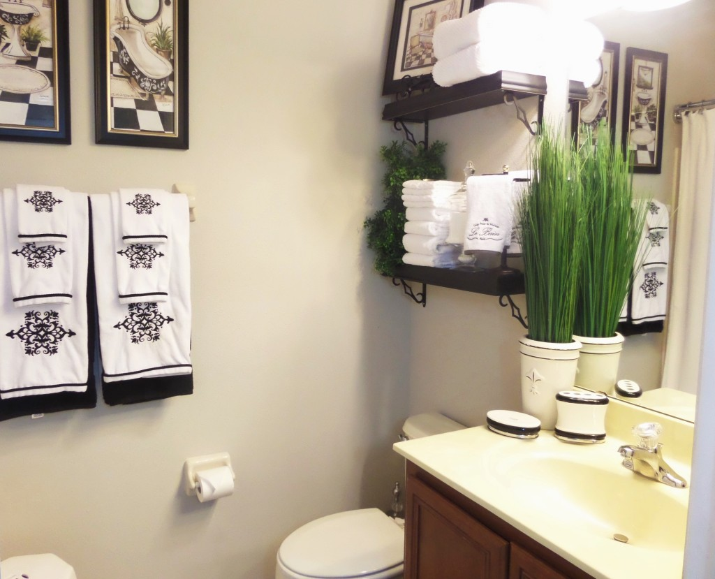Guest Bathroom: Decorating On A Budget