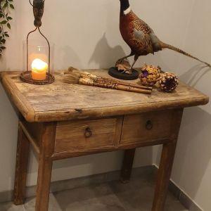 Oud doorleefde houten hoge Chinese tafel