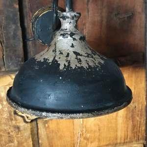 Authentieke ijzeren wandlamp - bij Benard's Woonaccessoires