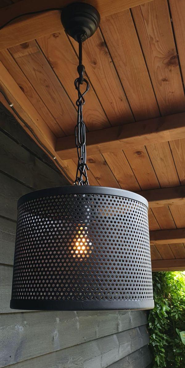 Hanglamp rond zwart voor binnen en buitenshuis Benard's Woonaccessoires   Voor een landelijk interieur
