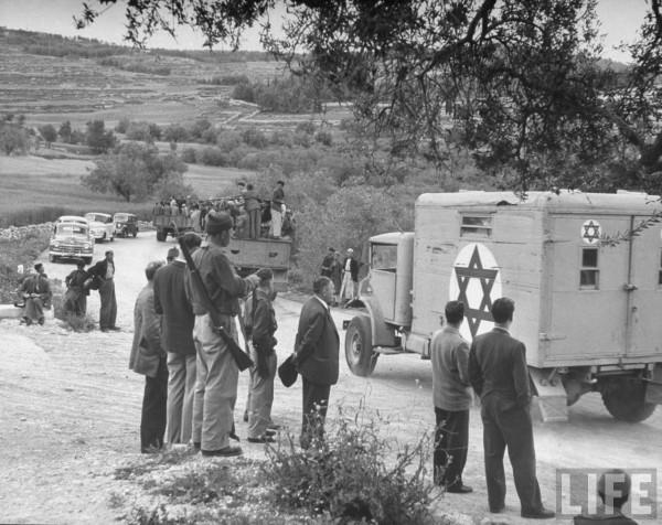 Magen David Adom driving Jerusalem - Tel Aviv highway to go into action near Bab el Wad