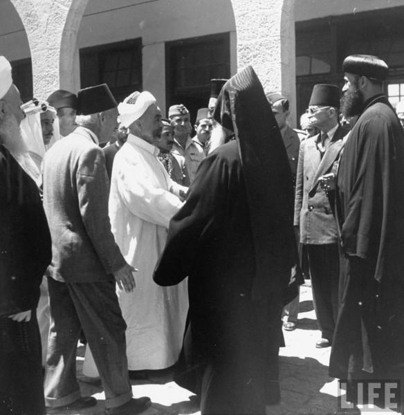 King Abdullah of Jordan (CL) and his party leaving Haram esh Sarif