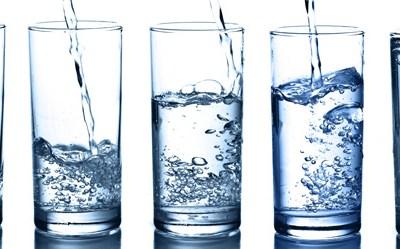H2O; importancia de la hidratación