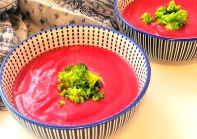 Crema de remolacha y chirivías con arroz integral prebiótico