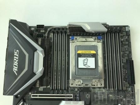 gigabyte-x399-xtreme-computex-2018-1-benchmarkhardware