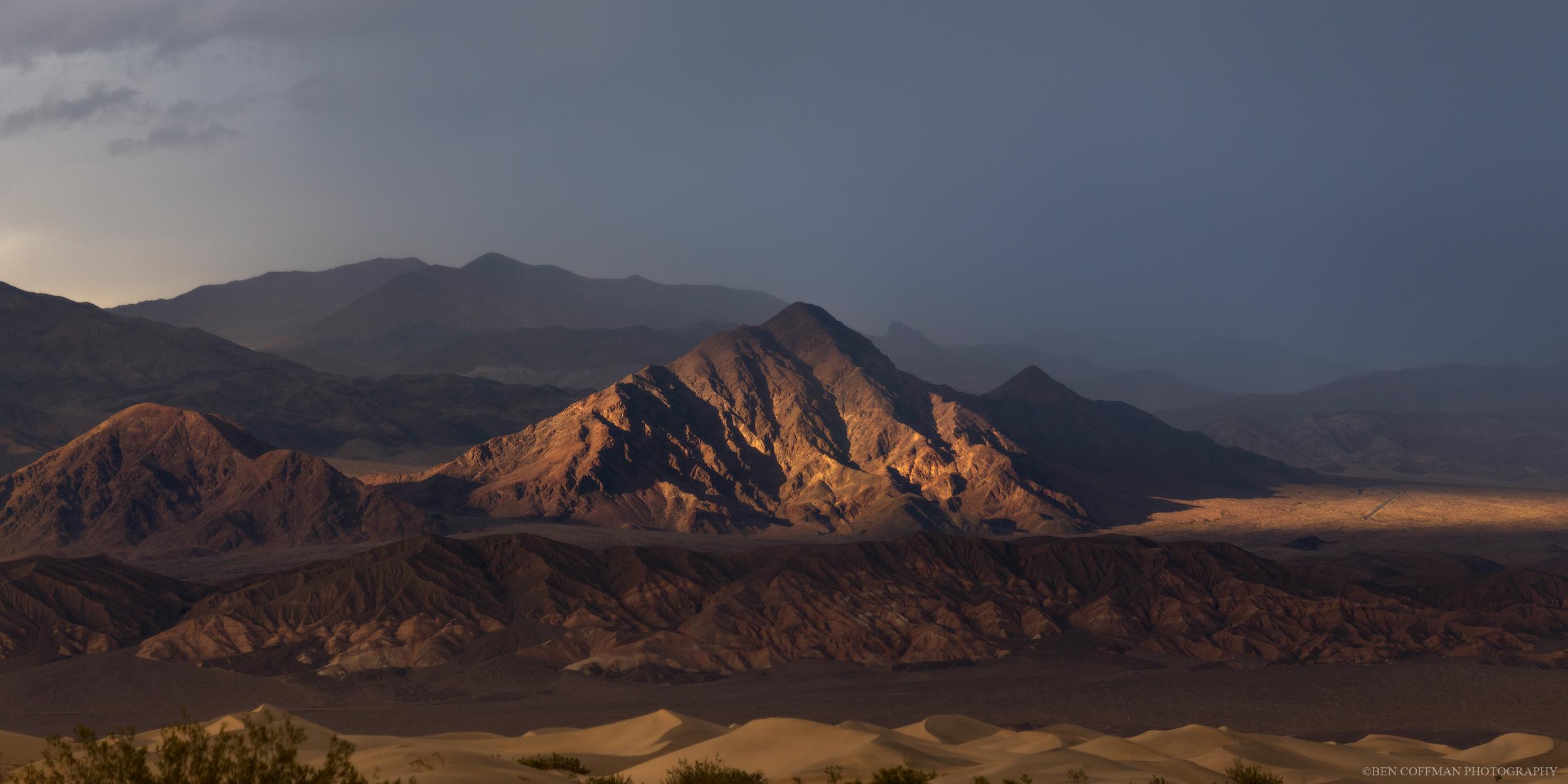 Twilight's borderlands - Golden hour dies in Death Valley