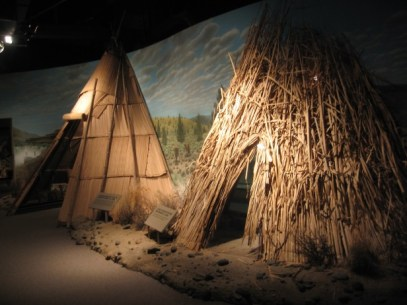 Tule Mat & Wikiup Lodges Warm Springs Museum