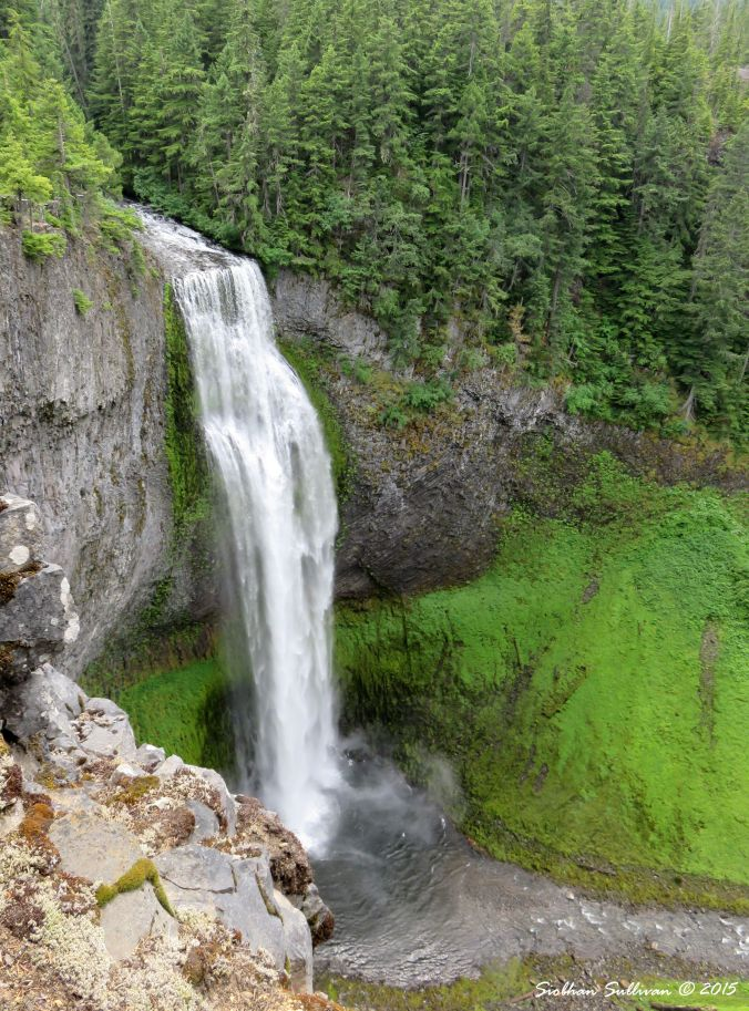 Green  waterfall in Oregon2