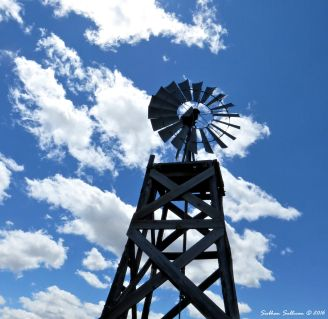 Windmill at Fort Rock, Oregon 9June2016